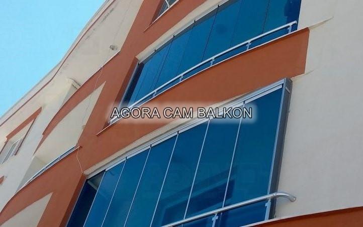 mavi renk cam balkon